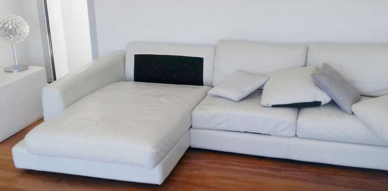 Rivestimento in pelle per divano