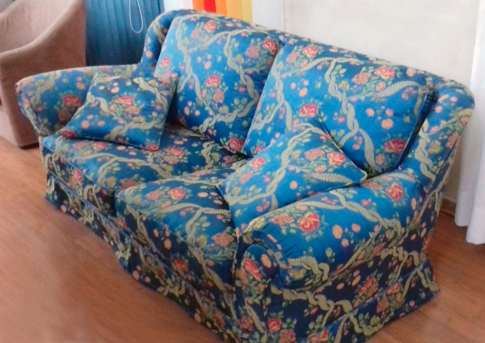 tappezzeria rivestimento fantasia per divano